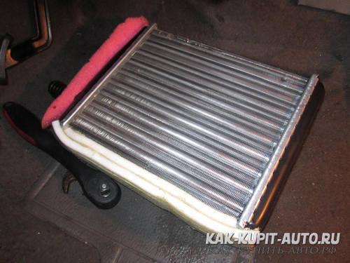 Неправильно уплотнение радиатора печки